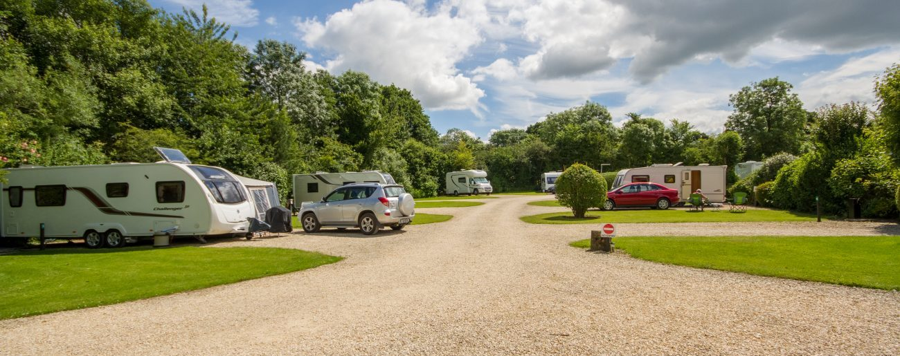 plough-lane-caravan-site-north-of-site-looking-east